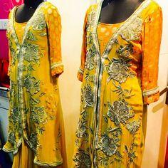#Silk##Pure #Rawsilk #RoyalBlue #BlockPrint #Embkali #Printed. #Floral #Red #Festive #Diwali #Karwachauth #Dusshera #Navratras  #Winters #TheAura #Pure #fabrics #DESIGNER #Wedding #bridal #Brides #TheAura  #91 99715 64924Wtsapp #9810789894  For r more info and our details like our fb page www.facebook.com/theaurabyvini  Wtsapp 9971564924