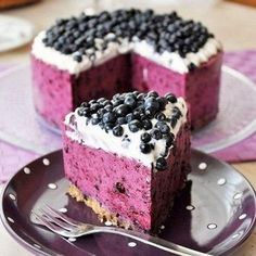 Blueberry Cheesecake- just sub in raspberries. Read comments they made necessary subs to add real cream cheese and raspberries to make raspberry cheesecake. Just Desserts, Delicious Desserts, Dessert Recipes, Yummy Food, Baking Desserts, Dessert Healthy, Cake Recipes, Food Cakes, Cupcake Cakes