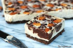 What can be better than a raw dessert that is creamy and full of almond and chocolate flavor and only 8 ingredients ( water)? This cheesecake is so creamy and rich, you won't believe it is dairy-free or vegan!