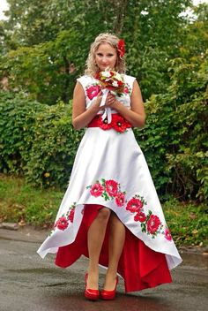Ukrainian dress Mexican Fashion, Mexican Outfit, Mexican Dresses, Folk Fashion, Quince Dresses, 15 Dresses, Women's Fashion Dresses, Dress Outfits, Wedding Dress Patterns