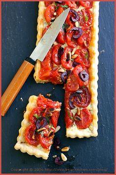 Another Cherry Tomato Tart — Une autre tarte aux tomates cerises | La Tartine . I love tomatoes!