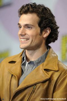 Henry Cavill at an event for Immortals Henry Caville, Love Henry, Henry Cavill Immortals, Henry Superman, Celebrity Smiles, Celebrity Crush, Mullet Hairstyle, Henry Williams, Hair Today