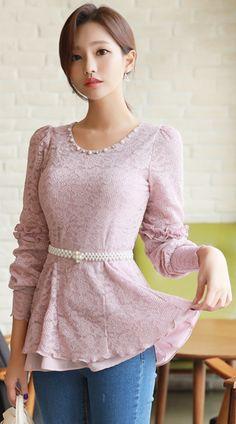 StyleOnme_Pearl Neckline Peplum Lace Blouse #pink #lace #pearl #feminine #koreanfashion #kstyle #kfashion #springtrend #seoul #dailylook
