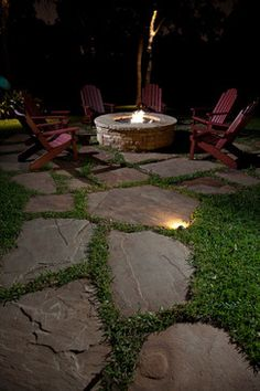 Fire Pit Design Idea For More Attractive – Best Outdoor Fire. Check out these awesome backyard and patio fire pit ideas. You don't have to go camping to enjoy an evening fire. Garden Fire Pit, Diy Fire Pit, Fire Pit Backyard, Backyard Patio, Backyard Landscaping, Backyard Seating, Garden Paths, Backyard Ideas, Fire Pit Gallery