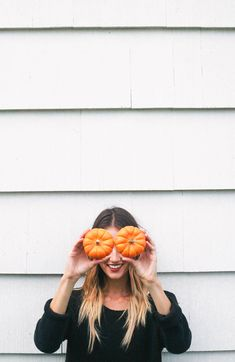 What a great photo idea for a fall photo shoot. Fall is a time to pull out the dark filters, the cozy sweaters and the knit socks, and a photo like this is so creative, and just screams fall. Pumpkin Patch Pictures, Pumpkin Photos, Fall Photos, Cute Photos, Fall Pics, Cute Fall Pictures, Halloween Pictures, Autumn Photography, Photography Tips