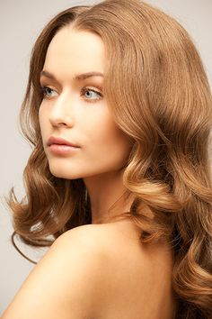 There are so many hairstyles Naturlocken But you have to choose from the amount that fit to your face cut. The hair experts will help you choose the best ones. Medium-length hair can increase. Wig Styles, Curly Hair Styles, Natural Hair Styles, Popular Hairstyles, Wig Hairstyles, 100 Human Hair Wigs, Hair Toppers, Types Of Curls, Hair Images
