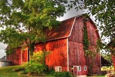 Huge red barn. (1) From: Country Life, please visit