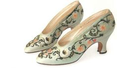 embroidered-blue-silk-evening-pumps-french-c-1925-27.jpg (400×234)