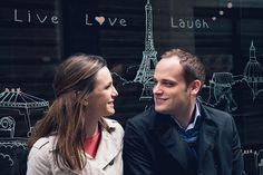 Romantic Paris portrait with cute sign by TripShooter Paris photographer Jade Maitre.
