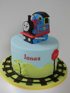 Just call me Martha: Thomas cake and lime cake with water Lily Baby Boy Birthday, Birthday Cake, Birthday Ideas, Thomas Tank Engine Cake, Thomas And Friends Cake, Thomas Cakes, Lime Cake, Cakes For Boys, Boy Cakes