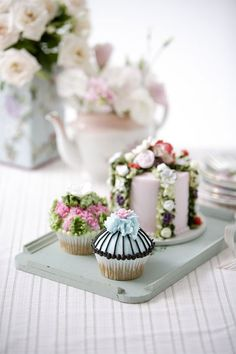 ~ so pretty ~ wouldn't it be fun to pop into a bakery and select a few little cakes for a tea party?