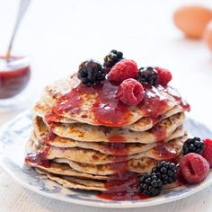 Master the art of making light and fluffy pancakes with this easy recipe. Perfect for a weekend brunch or quick dessert, the sweet and juicy berry sauce make them deliciously moreish. Pancake Day, Breakfast Pancakes, Fluffy Pancakes, Other Recipes, Sweet Recipes, Easy Recipes, Pancake Pictures, Whole Grain Pancakes, Hoe Cakes
