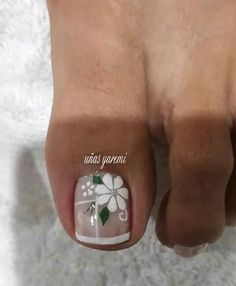 Pedicura modelos Pretty Toe Nails, Cute Toe Nails, Fancy Nails, Toe Nail Art, Pedicure Designs, Toe Nail Designs, White Toenails, Watermelon Nails, Nail Accessories