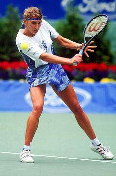 Golf Tips Putting Video Steffi Graff, Carl Lewis, Olympic Trials, Long Jump, Beautiful Athletes, Tennis Players Female, Match Point, Tennis Stars, Alpha Female