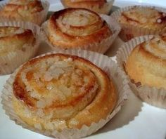 Roona hämmentää: Maailman parhaat kahvikehrät Baking Recipes, Dessert Recipes, Finnish Recipes, Baked Doughnuts, Sweet Pastries, Sweet And Salty, Sweet Desserts, Yummy Cakes, No Bake Cake