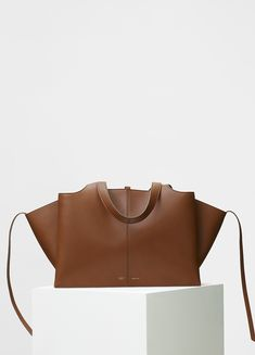 CÉLINE - Medium Tri-Fold Shoulder Bag in Havana Supple Natural Calfskin Tri  Fold, fd1fc9ea06