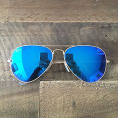 Blue Mirrored Ray ban aviators Almost brand new aviator sunglasses :) Ray-Ban Accessories Sunglasses