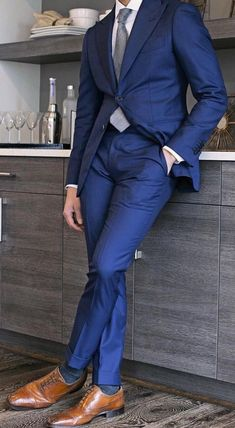 The Perfect Suit Trousers! is part of Blue suit men - But how incomplete is your suit with the perfectly complimentary trousers Check out the rules that define the perfect trousers Terno Slim, Best Suits For Men, Blue Suit Men, Blue Suits, Shoes With Blue Suit, Dark Blue Suit, Men's Suits, Moda Formal, Business Mode