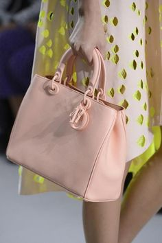 Dior bag! me want me want!