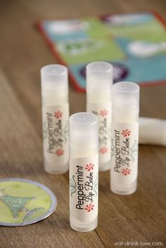 Create your own Peppermint Lip Balm using all-natural, nourishing ingredients with this super easy DIY recipe! #DIY #naturalbeauty #peppermint ★facebook.com/purasentials★