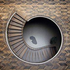 Arne+Jacobsen+Floor,+c+Seier+Seier.JPG (400×400)