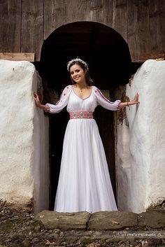 Povești Nunți Tradiționale - Ana-Maria și Răzvan - La împletirea vechiului cu noul 3