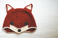 Sly Fox Hat Goodknits shares a free and easy pattern for this bit of amazing.  Now, what does the fox say?