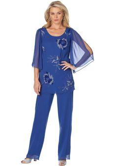 Plus Size Formal Pant Suits and Plus Size Cocktail Pants Suits are a great option if you need to go to a dressier event, a dressy wedding or even for a cruise. Dressy Pant Suits, Dressy Jackets, Mother Of The Bride Suits, Mother Of Bride Outfits, Wedding Pantsuit, Wedding Suits, Trendy Plus Size Clothing, Plus Size Outfits, Look Plus Size