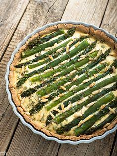 true taste hunters - Vegan: Lemon tart with asparagus and green peas (vegan, gluten-free) Green Peas, Apple Pie, Tofu, Quiche, Asparagus, Zucchini, Gluten Free, Vegan, Dinner