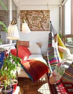 30 Beautifully Boho Chic Balcony Ideas - bedsheet or madhubani painting, fun hammock