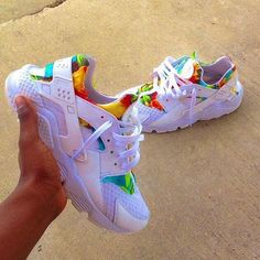 more photos dae5a fbf23 Embedded image Nike Air Huarache Femme, Nike Huarache, Lit Shoes, Haraches  Shoes,