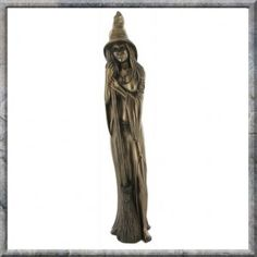 WITCH LARGE COLD CAST BRONZE ORNAMENT FIGURINE. A stunning Witch Pagan Wicca Ornament Figurine. A large bronze sculpture featuring a Witch with her broom.