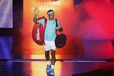 The return of The King!  Say hello to your majesty! @rogerfederer  Photo/Foto: Unknown/Desconocido  #rogerfederer #roger #federer #swissmagic #swissmaestro #theking #rf #tennis #tenis #atp #wta #wilson #nike #rolex #grandslamchampion #grandslamwinner #17 #1 #legend #goat #idol #champion  #fedfan #switzerland #swiss #hoppsuisse #stylishman #king #periscope #thereturnoftheking