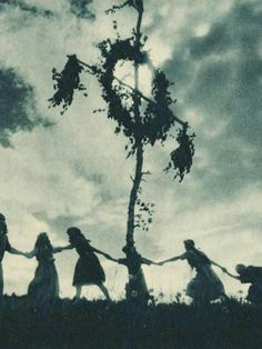 Bernis Quat--Ttitons Titans Kratos-Valhalla Carolingian Angels Of Bernic --Stygian Witches River Styx -Magick Wicca Witch Witchcraft: Old Mysterious Photos of The Darkness, Wiccan, Magick, Witchcraft, Pagan Witch, Beltane, Coven, Arte Viking, Maleficarum