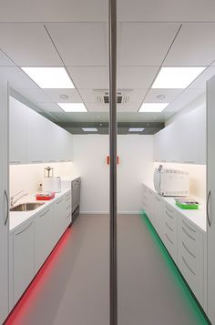 dental-sterilization-room-clinias_x1