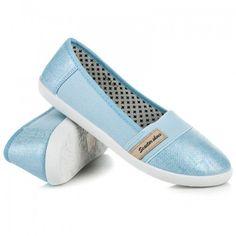 Dámské baleríny Seastar Somret modré – modrá Baleríny ve sportovním střihu jsou vyrobeny z pohodlného textilu. Špička a zápatí balerín je vyrobeno v lesklém provedení. Na svršku se nachází nášivka značky Seastar. Určitě je využijete …