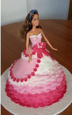 Die 38 Besten Bilder Von Barbie Torten Birthday Cakes Fondant