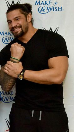 Roman Reigns is sexy as hell 💋💞💖💕💓💗💚💜💛😎 Wwe Superstar Roman Reigns, Wwe Roman Reigns, Roman Reigns Family, Roman Regins, Wrestling Superstars, My Superman, Wwe Wrestlers, The Shield Wwe, Roman Empire
