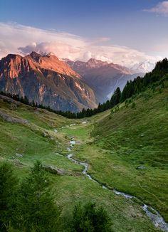 cornersoftheworld:    Belalp, Switzerland (by John & Tina Reid)