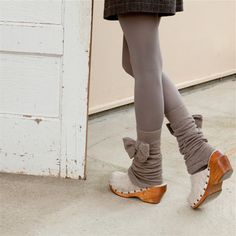 Bow leg warmers
