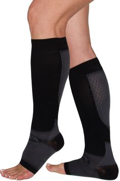 The FS6+ Performance Compression Leg Sleeve relieves Plantar Fasciitis, Shin Splints, Leg Cramping and Achilles Tendonitis with one light, comfortable foot+calf compression leg sleeve.