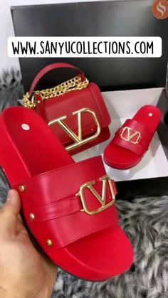 Valentino Sandals, Valentino Bags, Gucci Boots Mens, Luis Vuitton Shoes, Gladiator Sandals, Leather Sandals, Lv Handbags, Red Shoes, Platform Shoes