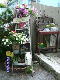 rustic country yard art | ... www.etsy.com/listing/13059319/primitive-birdhouse-folk-art-garden-yard