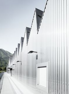 Image 5 of 22 from gallery of Vocational Education Center / Durisch + Nolli Architetti. Photograph by David Willen 2015 Wallpaper, Wallpaper Magazine, Fashion Wallpaper, Workshop Architecture, Architecture Magazines, Outdoor Cover, Education Center, Modern Industrial, Industrial Park