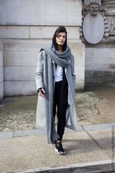 Toni Mahfud, Paris Fashion Week, Fall/Winter 2016/2017 | StunningStreetstyle