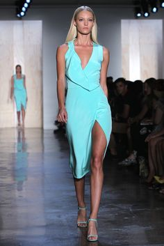 {live from the runway} Cushnie et Ochs RTW Spring 2013 | TheFashioniStyle