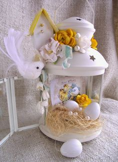 Basket flower arrangements diy ideas for 2019 Happy Easter, Easter Bunny, Easter Eggs, Basket Flower Arrangements, Diy Osterschmuck, Easter Table Decorations, Holiday Decorations, Diy Ostern, Easter Holidays