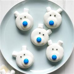 Frosty Polar Bears Recipe -I love spending time in the kitchen with my nieces. This is the perfect recipe to make with the little ones. Dang cute, easy and portable!—Emily Tyra, Milwaukee, Wisconsin