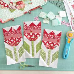 New Hello Darling patterns (Simplify - Camille Roskelley) - tulip flower quilt… Quilt Block Patterns, Pattern Blocks, Quilt Blocks, Quilting Tutorials, Quilting Projects, Quilting Designs, Small Quilts, Mini Quilts, Diy Quilt