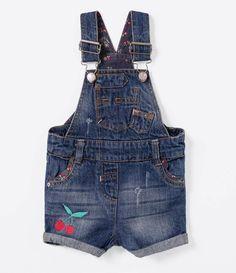 Jardineira Infantil em Jeans com a Barra Dobrada - Tam 0 a 18 meses  - Lojas Renner